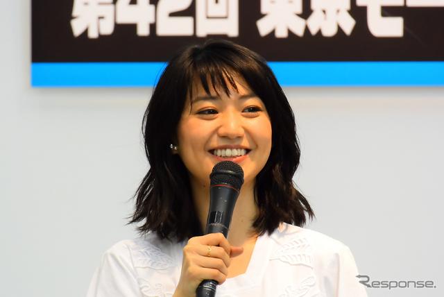 大島優子さん(東京モーターサイクルショー15)《撮影 阿部哲也》