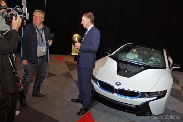 2015ワールドグリーンカー賞を受賞したBMW i8(ニューヨークモーターショー15)