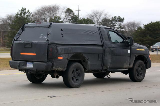 フォードのビッグSUV スクープ写真《APOLLO NEWS SERVICE》