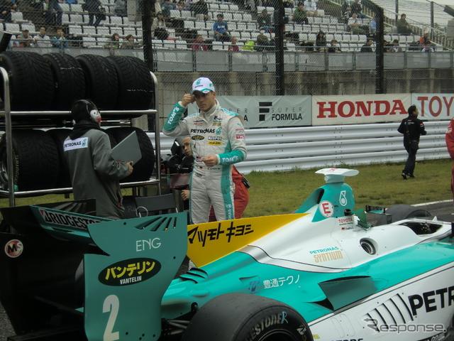 #2 ロッテラーは3番グリッドから好スタートを見せる。撮影:遠藤俊幸