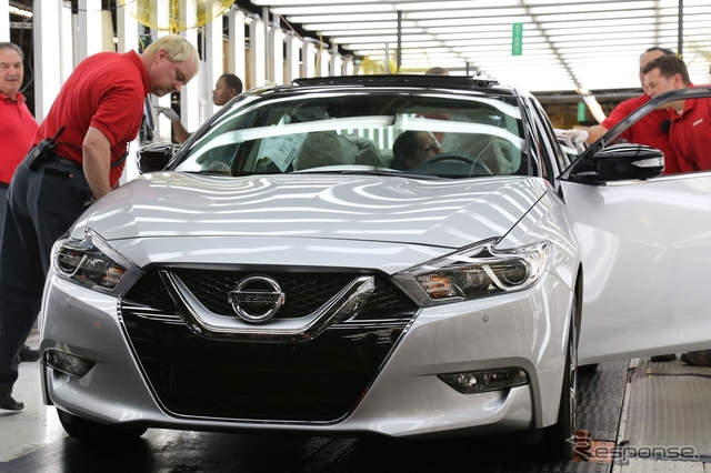 米国テネシー州スマーナ工場で生産が開始された新型日産マキシマ