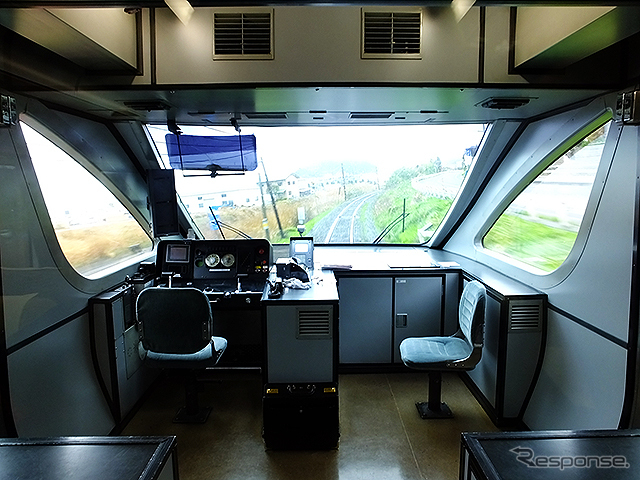 鳥取を結ぶ特急車内《撮影 大野雅人(Gazin Airlines)》
