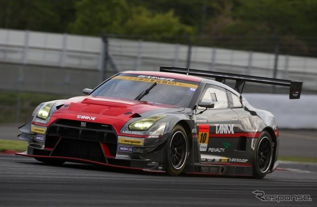 優勝の#10 GT-R。《撮影 益田和久》
