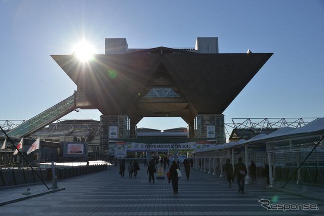 東京モーターショーの会場、東京ビッグサイト《撮影 太宰吉崇》