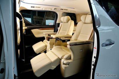 【人とくるまのテクノロジー展15】トヨタ アル/ヴェル、VIP &ファミリーでシートを作り分け…トヨタ紡織