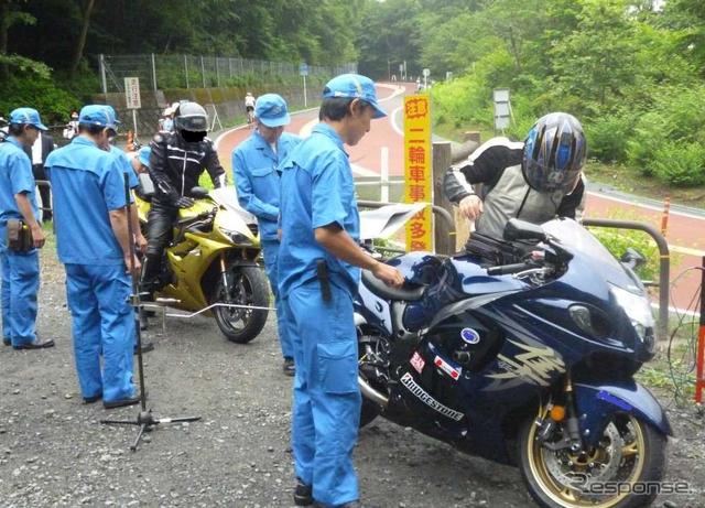 関東運輸局管内で実施した特別街頭検査の様子