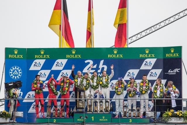 総合の表彰台はドイツ勢が独占。ポルシェ1-2、アウディが3位だった。《写真 WEC》