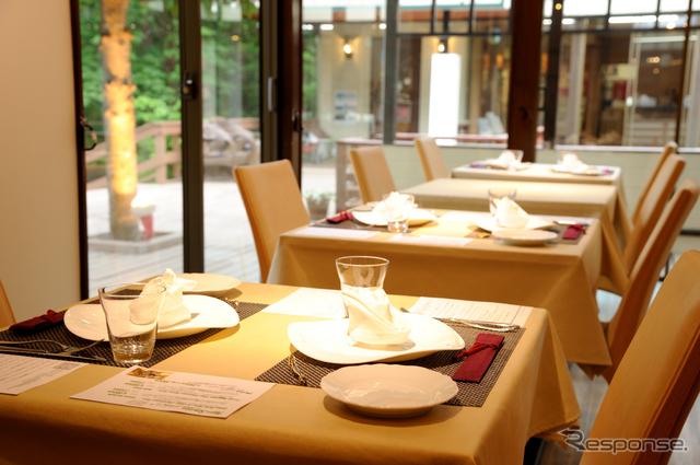 レストラン「マヨール」《撮影 雪岡 直樹》