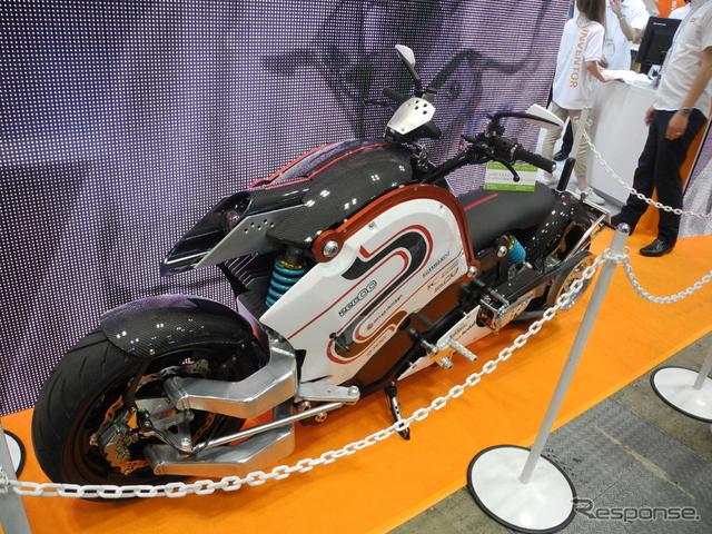 オートデスクのブースに展示されている「zec00(ゼクウ)」《撮影 山田清志》
