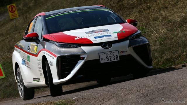 WRCラリー・ドイツでデモ走行したトヨタ MIRAI