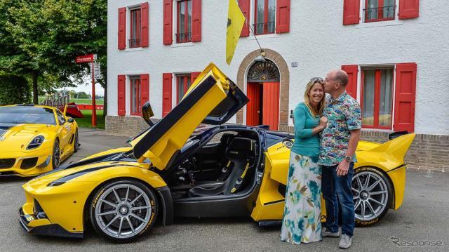 フェラーリFXX Kとグーグルのベンジャミン・スロス副社長夫妻