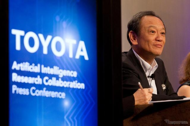 トヨタが人工知能の研究で米大学と研究所を設立する。写真はトヨタ専務役員 伊勢清貴氏