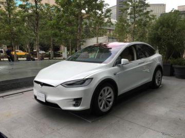 【テスラ モデルX】初のSUV、ファルコンウイングドアで価格は895万円から
