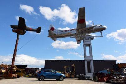 【ドライブコース探訪】三重の国道沿いで出会った「銀色の飛行機」の正体は
