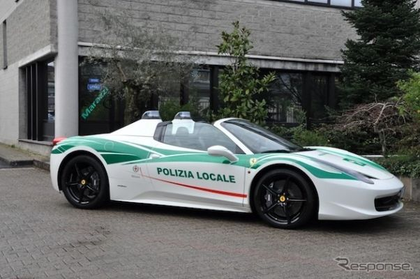 マフィアから没収のフェラーリ、ポリスカーとして配備…イタリア警察
