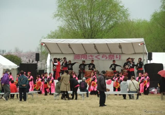 藤岡さくら祭りのステージイベント。