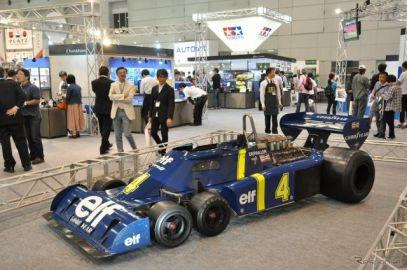 【静岡ホビーショー2017】タミヤ…懐かしの6輪F1マシン「タイレル P34」実車を展示