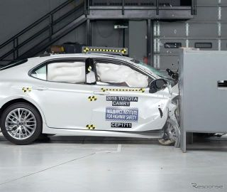 【IIHS衝突安全】トヨタ カムリ 新型、助手席スモールオーバーラップで最高評価