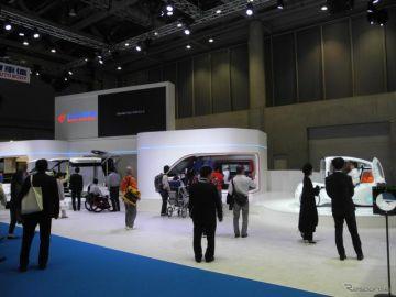 【東京モーターショー2017】トヨタ車体、未来の小型マルチバンと超小型モビリティを展示…トヨタのやらないことをやる