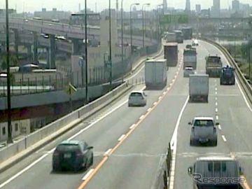 首都高の事故多発地点2カ所、3車線を4車線化へ---合流・分流