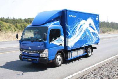 電動トラックの実力をテストコースで試す…eキャンター試乗会