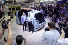 完全自動運転車でアウトドアスポーツ、VW セドリック に進化版…CEBIT 2018