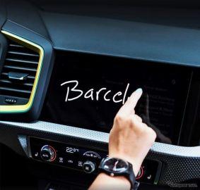 アウディ A1 新型、最新バーチャルコクピット設定へ…手書きの文字入力が可能に
