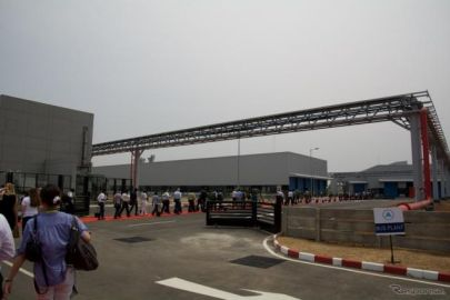 ダイムラートラックアジア、印オラガダム工場の累計生産台数10万台達成