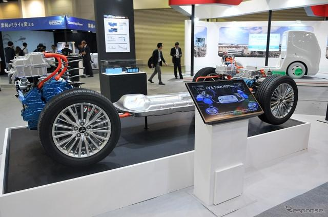 EVS31 三菱自動車ブース。新型アウトランダーPHEVのPHEVシステム