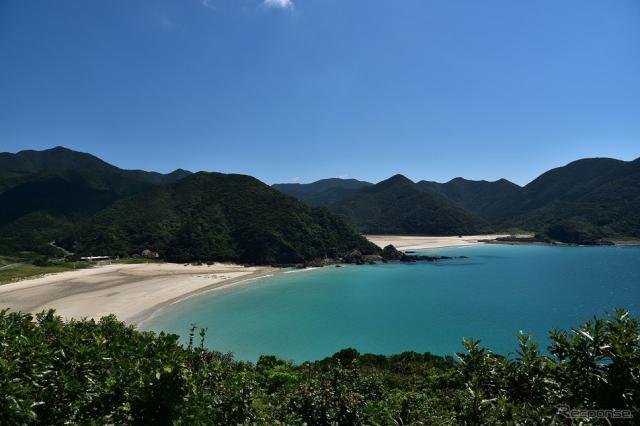 日本の渚百選に選ばれている高浜海水浴場