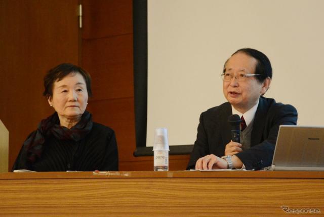 秋山弘子センター長(左)と鎌田実教授《撮影 古庄速人》