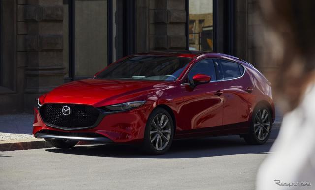 マツダは、新型SUVを近く発表、量産するという。 写真は新世代第一弾のMazda 3(北米仕様)《画像 マツダ》