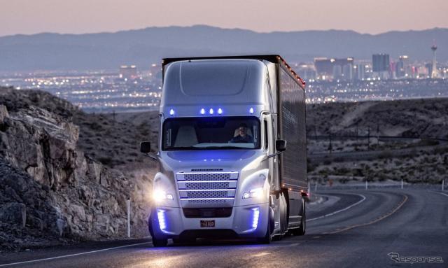 ダイムラーの自動運転トラックの開発車両