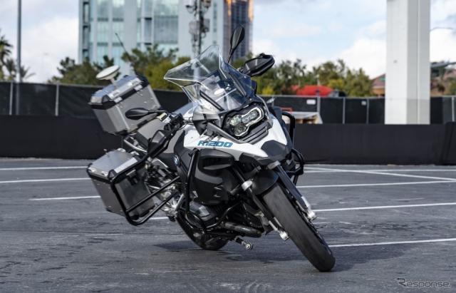BMWのライダーレスバイクのプロトタイプのデモ走行(CES 2019)