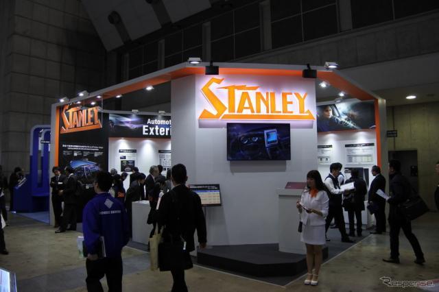 スタンレー電気ブース(オートモーティブワールド2019)《撮影 小松哲也》