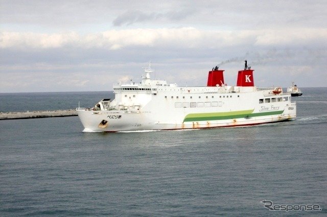 八戸港に発着するシルバーフェリー