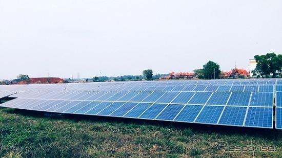 タタ日立社カラグプール工場敷地内に設置された太陽光パネル