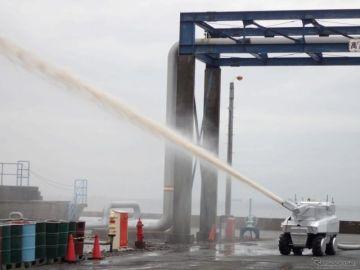 自律走行で火災現場へ、毎分4000リットル放水…実戦配備型消火ロボット 三菱重工が開発