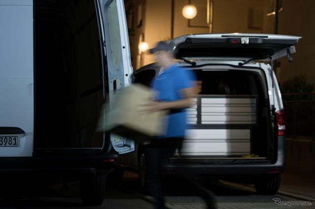 メルセデスベンツのデジタルキーによる建設機材の車内への配達および回収サービス