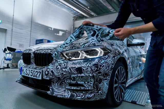 BMW 1シリーズ 新型の最新プロトタイプ《photo by BMW》