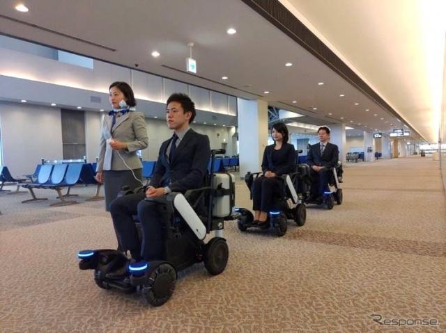 自動追従する電動車椅子(パーソナルモビリティ)《写真 ANA》