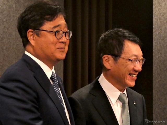 三菱自動車の益子現CEOと加藤新CEO《撮影 福田俊之》