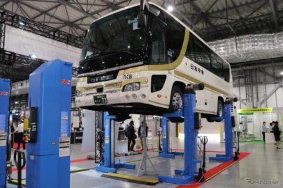 バスもOK、サイズを選ばない移動式リフト…オートサービスショー2019