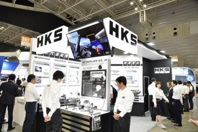 3次元カム研削盤など技術集団らしい展示のHKS…人とくるまのテクノロジー2019