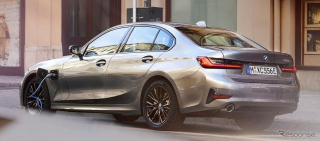 新型BMW 3シリーズ セダンのPHV、330eセダン《photo by BMW》