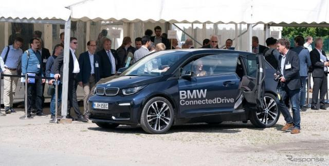 5GAAの実証実験でBMW i3 が信号機と通信し赤信号での停車を減らすことに成功《photo by BMW Group》