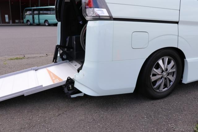 リアの車高の昇降機能などがあってもメーカー保証付き。(セレナ・スロープタイプ)《撮影 中込健太郎》