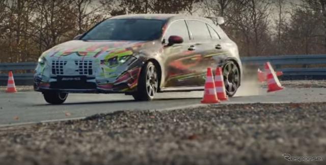 メルセデスAMGの新型「45」シリーズと見られる開発車両《photo by Mercedes-AMG》
