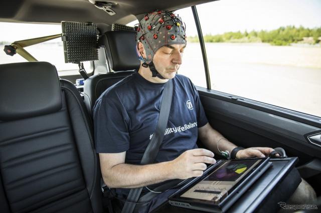ZFが開発しているAI利用の車酔い防止システム《photo by ZF》