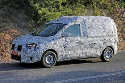 ルノー カングー の兄弟車「ドッカー」は次世代型も驚異の低価格!? 開発車両を目撃
